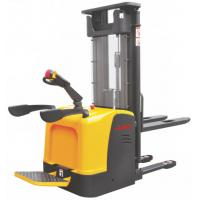 China Narrow Aisle Warehouse Electric Stacker Truck , Ride On Pallet Stacker 2.5m - 5.6m Lift Height wholesale