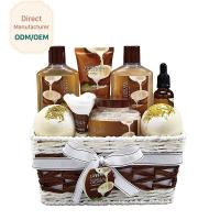 China Skin Care Relaxing Bath Gift Sets Milky Coconut Scent Anti - Wrinkle Design wholesale