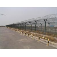 China Pvc Coated Airport Security Fence , Steel Barbed Wire Fence Easily Assembled wholesale