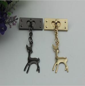 China Customized design zinc alloy metal light gold super lovely giraffe hanging decorative charms wholesale