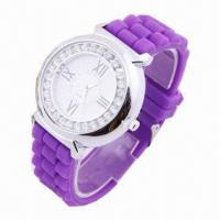 China Fashionable CZ Stone Wristwatch with silicone strap, popular style, plastic case, alloy cover wholesale