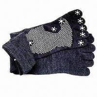 China Sports Non-slip Toe Socks, Ideal for Men and Women wholesale