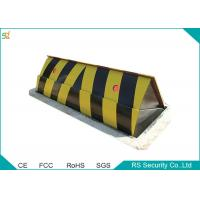 China Durable High Security Portable Hydraulic Road Blocker By Remote Control wholesale