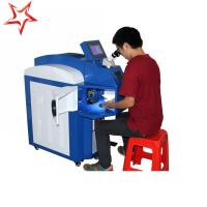 China Small Deformation Jewelry Laser Welding Machine Ergonomic 400 W Laser Power wholesale