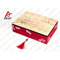 China Special Handle Christmas Cardboard Gift Boxes , Beautiful Corporate Gift Packaging Boxes wholesale