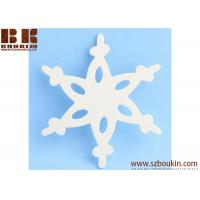 China Unfinished Wood Lace Snowflake Cutout Christmas tree ornaments Holidays Gift Ornament wholesale