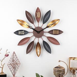 China 55cm Home creative retro leaf wrought iron decor wall clock Vintage Gold Copper Metal Wall Decorative Clock wholesale