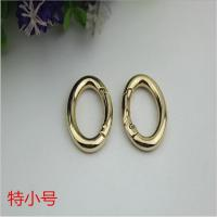 China Custom shiny gold plating 25mm zinc alloy metal clips spring o ring hooks for bag on sale