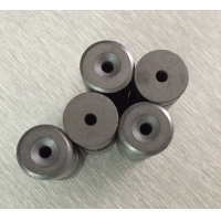 China Custom Ferrite Disc Magnets Y30BH Grade D15.2Xd3.2Xd8XH6 With Countersunk Hole wholesale