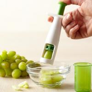 China Mutil Function Plastic Cherry Tomato Slicer White Green 18 * 6.5cm For Kitchen on sale