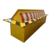 China Automatic Heavy Duty Hydraulic Rising Kerb Vehicle Road Blocker Red / Yellow / Green wholesale
