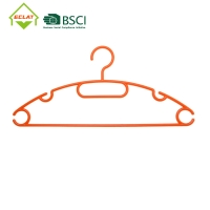 China PP 40CM Contoured Heavy Duty Plastic Coat Hangers Multipurpose wholesale