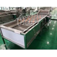 China Clean 3.75kw Vegetable Fruit Washing Machine With Water Circulating System wholesale