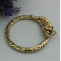 China Luxury design top quality zinc alloy light gold snake shape 60 mm width bag accessories handle wholesale