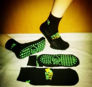 China Black Color Anti Skid Grip Socks Altitude Trampoline Park Socks Grip Socks For Trampoline on sale