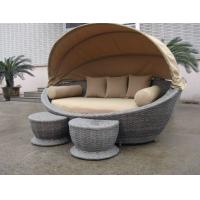 Luxury Comfortable Roofed Cane Daybed , Wicker Garden Oval Daybed Manufactures