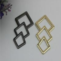 China Novelty design triangle pattern gold & gunmetal zinc alloy metal logo plate for shoes accessories wholesale