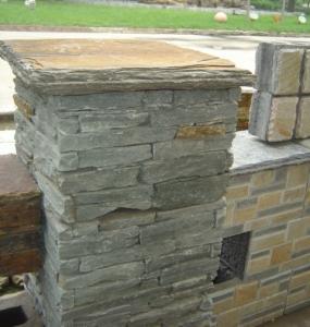 China Green Slate Column,Natural Stone Pillar,Ledgestone Pillar,Green Stone Postbox,Gate Green Pillar wholesale