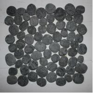 China Black quartz Rounded pebble Mosaic 305 mm * 305 mm * 10mm wholesale