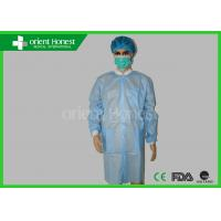 China Long Sleeve Water - Resistant Disposable Protective Clothing With Knee Length For Lab wholesale