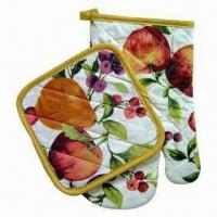 China 2-set Oven Mitts/Pot Holders, Made of Cotton Material wholesale
