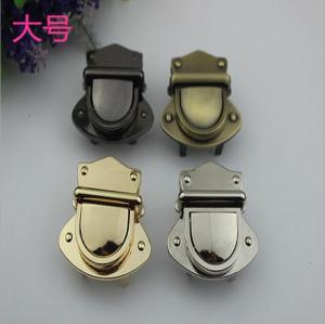 China Nickel free bag accessories metal zinc alloy light gold push locks for handbags wholesale