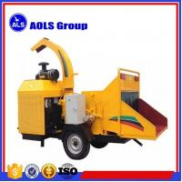China Mobile engine drive wood chipper brush tree branch chipper machine wholesale