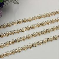 China Perfect customized high quality 10 mm width light gold white pearl decorative metal chain for bag strap wholesale