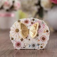 China Coloring Hollow Candy Chocolate Box Butterfly Decor Wedding Bomboniere Gift Paper Box Packaging wholesale